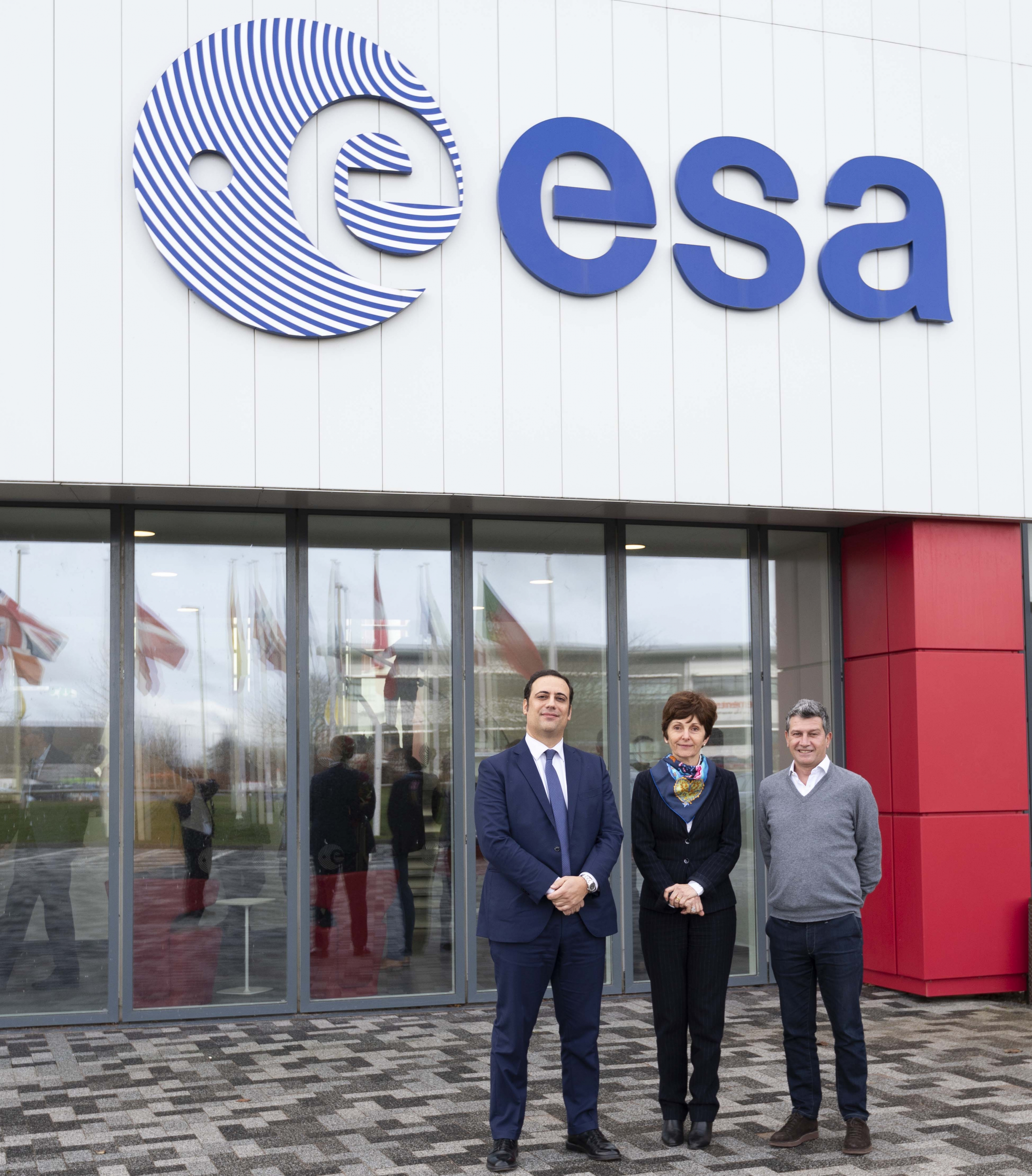 Letter of Intention signing at ECSAT. From left to right: ESA Lorenzo Scatena, Managing Director, Fondazione E. Amaldi, Magali Vaissiere, Director of Telecommunications and Integrated Applications and Gianluca Dettori, Chairman, Primomiglio SGR (Astra Ventures).